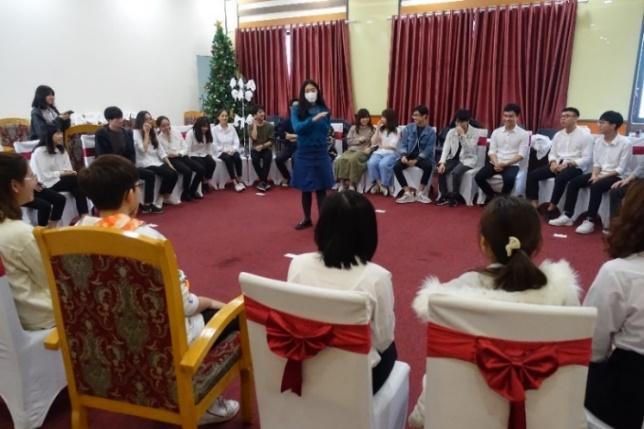 VNU-UEBでの学生交流